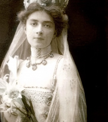 Marthe Bibesco on her wedding day.