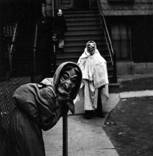 creepy-halloween-costumes-witches
