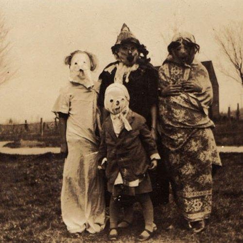 ghosts-pumpkins