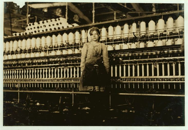 Mamie Witt in Roanoke's Cotton Mill, 1911.  Photograph by Lewis Hine, courtesy of the Library of Congress.